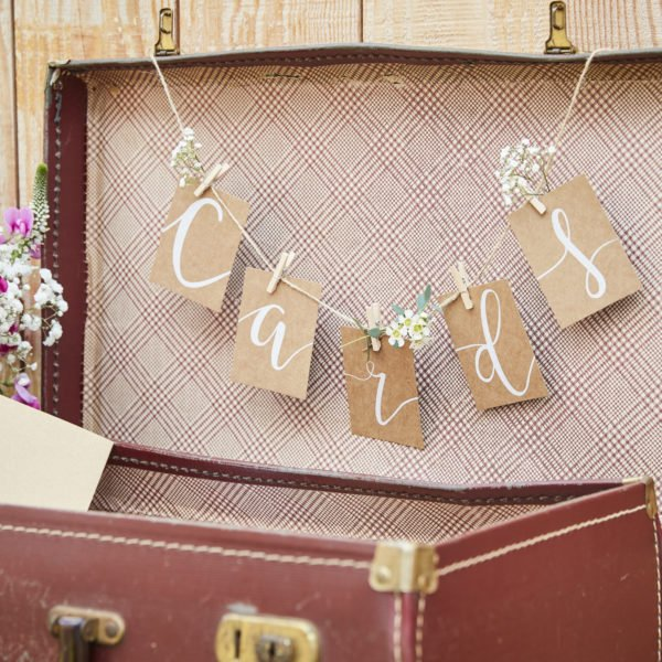 CW-215 Cards Bunting & Pegs Kit
