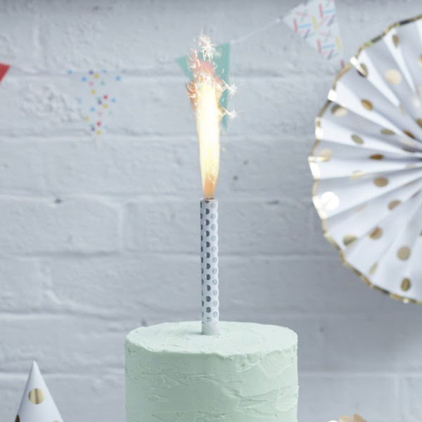 PM-187 – Silver Polkadot Cake Fountain-V2